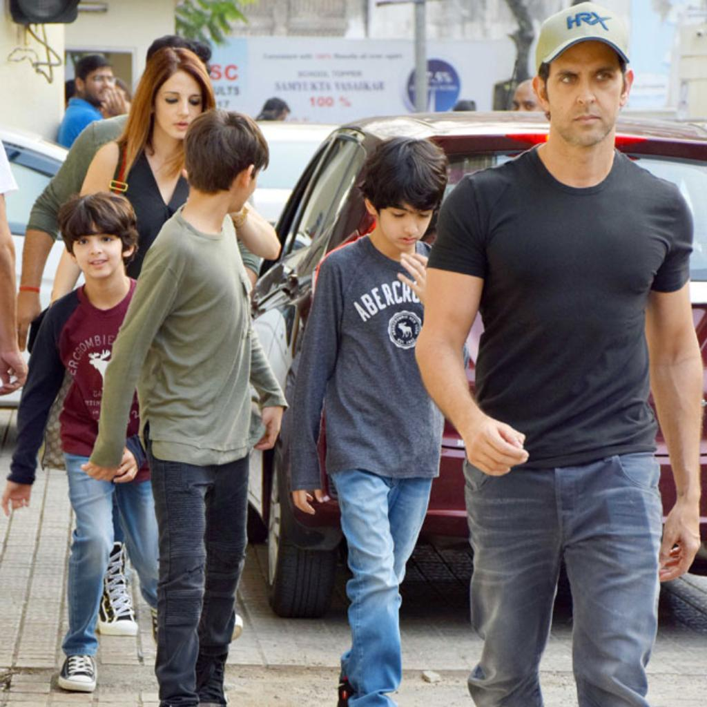 Hrithik Roshan and Sussanne Khan with kids