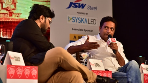 Babul Supriyo and Prakash Raj at the India Today Karnataka Panchayat 2018 (Photo: India Today)
