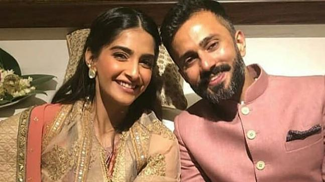 Sonam Kapoor and Anand Ahuja at their mehendi ceremony on May 6
