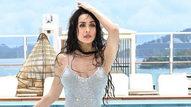 Malaika Arora is wet and wild in this unbelievably hot