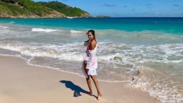 Lisa Haydon is holidaying on the beach Photo: Instagram/lisahaydon