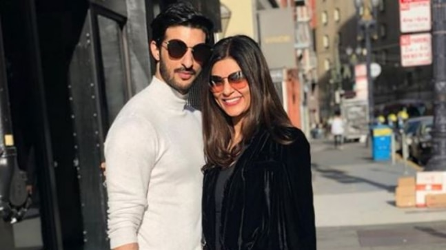 Sushmita Sen is busy painting the world red with boyfriend Rohman Shawl. Currently, she is in San Francisco, USA.