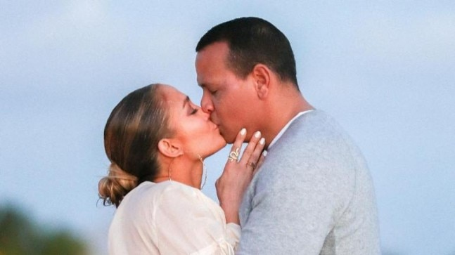 Jennifer Lopez shares proposal pictures Photo: Instagram/J Lo