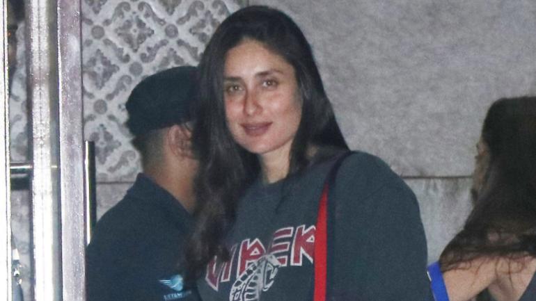 Kareena Kapoor Khan at the airport Photo: Yogen Shah