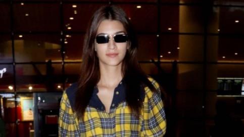 Kriti Sanon is a fashion blunder at the airport Photo: Yogen Shah