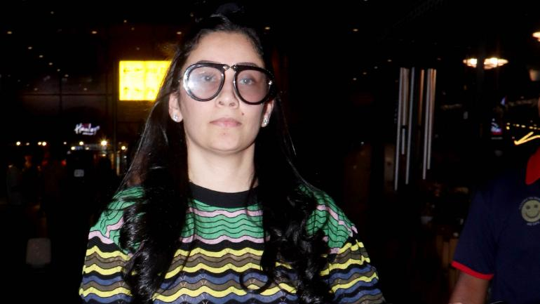 Maanayata Dutt is a fashion disaster at the airport Photo: Yogen Shah