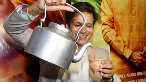 Pouring the chai out of a kettle, Vivek Oberoi served tea in kulhads.