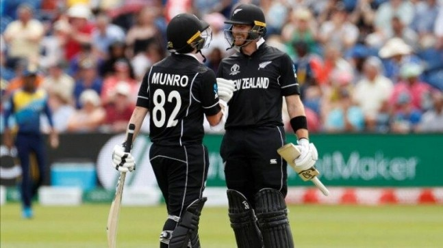 Kiwi openers Martin Guptill and Colin Munro hit fifties as New Zealand chased 137 off just 16.1 overs. (Reuters Photo)