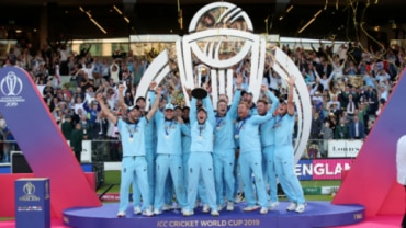 England won their maiden World Cup trophy in their fourth attempt after 1979, 1987 and 1992 (Reuters Photo)