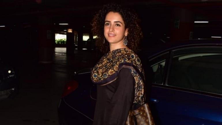 Sanya Malhotra at airport Photo: Yogen Shah