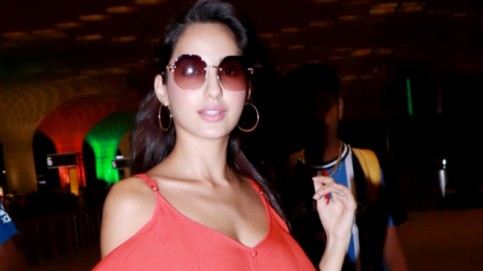 Nora Fatehi at airport Photo: Yogen Shah