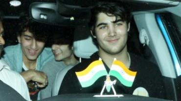 Aarav Bhatia and Ibrahim Ali Khan have a fun weekend with friends.