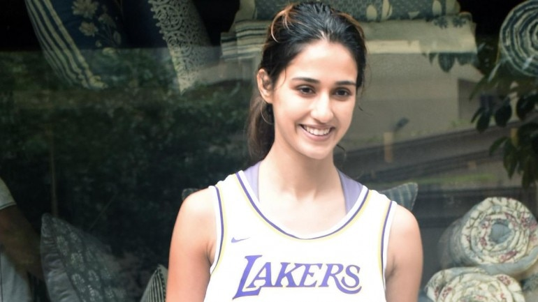 Disha Patani in Juhu Photo: Yogen Shah