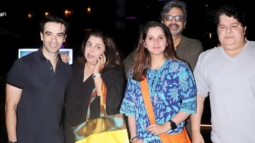 Farah Khan with Sania Mirza, Punit Malhotra and Sajid Khan at a dinner outing.