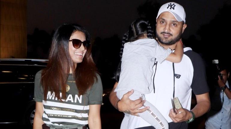Harbhajan Singh and Geeta Basra with Daughter at Mumbai airport (Photo: Yogen Shah)