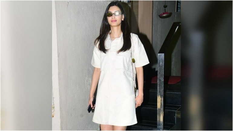 Diana Penty was snapped in Mumbai on Monday on her day out (Photo: Yogen Shah)