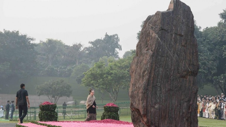 Sonia Gandhi, other leaders pay tribute to Indira Gandhi on birth anniversary: Photos