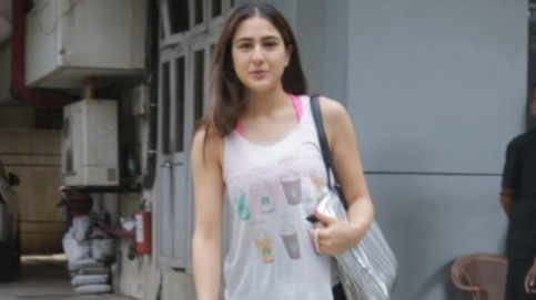 Sara Ali Khan snapped in Mumbai (Photo: Yogen Shah)