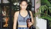 Mira Rajput pairs sports bra with indigo blue tights at gym. See pics