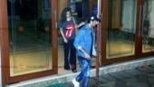 Sanjay Dutt diagnosed with lung cancer: Ranbir Kapoor and Alia Bhatt visit him at his Mumbai home