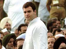 Rahul Gandhi travels by Shatabdi