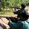 Wary Maoists offer truce to government