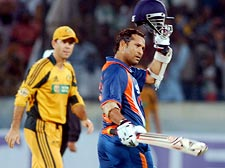India fall 4 short after Tendulkar's heroic 175