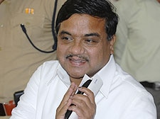 M'rashtra: R.R. Patil gets Home