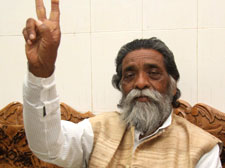 JMM stakes claim to form govt