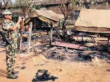 Cops were sitting ducks for Maoists