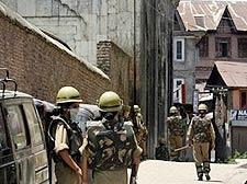 12 injured in fresh clashes in Kashmir Valley