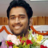 Dhoni signs Rs 200 cr deal