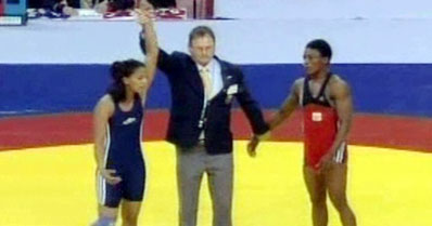 Geeta wins gold in freestyle wrestling