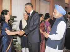PM hosts dinner, holds talks with Obama