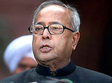2G row: Pranab meets Oppn
