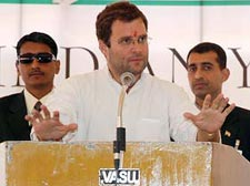 Radical Hindu groups bigger threat than LeT, says Rahul