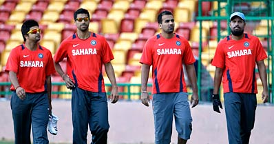Kirsten pays special attention to Sehwag, Gambhir