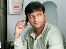 MIM leader Akbaruddin Owaisi shot at in H'bad, 4 assailants killed