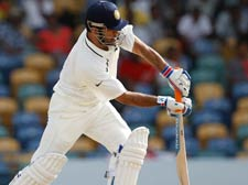Ind vs WI 2nd Test: Dhoni given out on a wrong replay