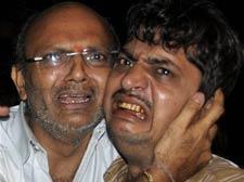 3 blasts rock Mumbai; 17 killed, 100 injured