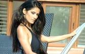 Poonam strips to motivate Team India