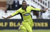 Shoaib Akhtar admits to ball-tampering