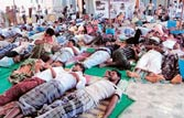 Protesters block entry into Tamil Nadu nuclear plant