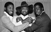 'Smokin' Joe Frazier loses fight with cancer