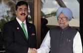 Yousuf Raza Gilani (L) and Manmohan Singh
