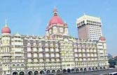 26/11: Bollywood sends out silent prayers for victims' kin