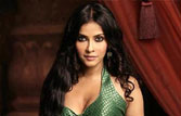 Nudity symbolises woman power in 'Rang Rasiya': Nandana Sen