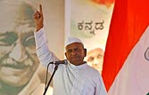 Bring Lokpal or quit, Anna warns; PM says Govt committed to it
