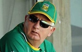 Aussies struggle to counter Indian coach Fletcher