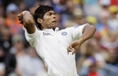 Umesh Yadav, Zaheer put Aus on the mat
